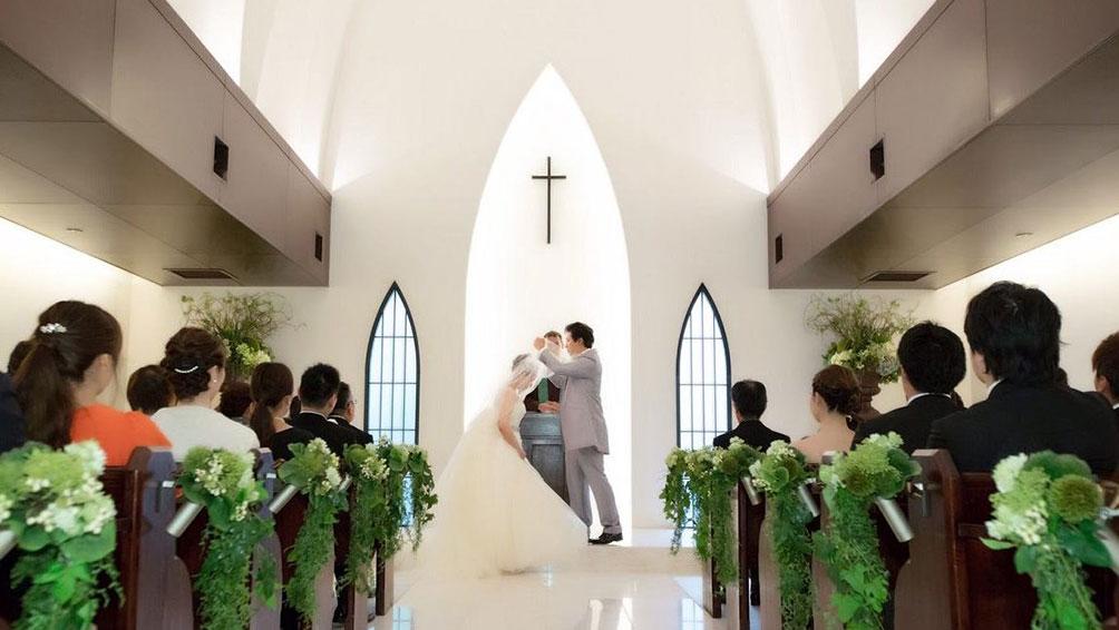 厳粛・ロマンチックならキリスト教式!