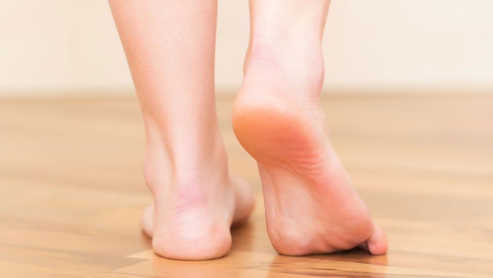 足の臭い原因その3.汗・角質