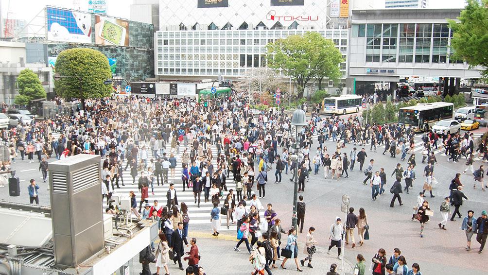 人混みや人の多く集まる場所への外出は控えましょう