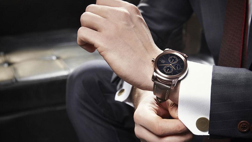 婚約指輪のお返し一番人気!時計