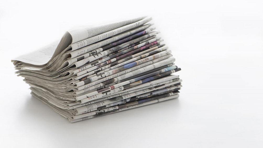 新聞紙を使って窓をピカピカにしよう!