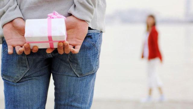 女性が喜ぶプレゼント1位は?人気アイテムが買えるお店も紹介!