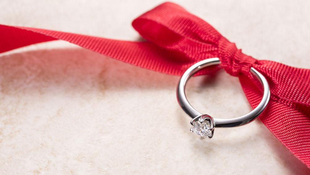 結婚を決めたら、婚約指輪の準備も忘れずに!
