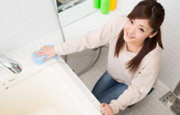 お風呂のピンク汚れは何故起こる?劇的に落ちる掃除法・予防法も伝授