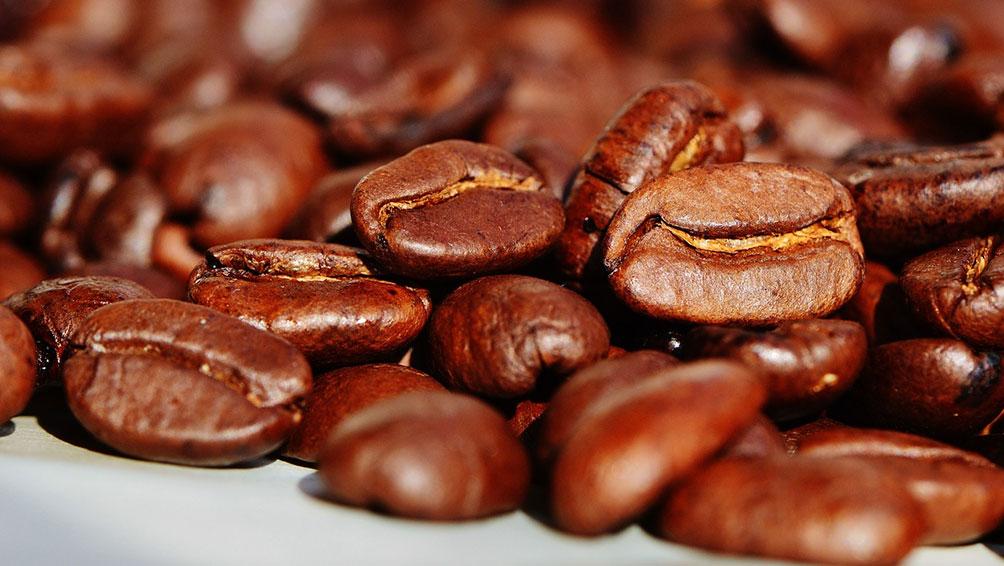 国際コーヒー鑑定士が最高のコーヒー豆を仕入れ!