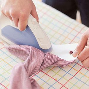 衣服の細かいパーツからアイロンをあてよう!