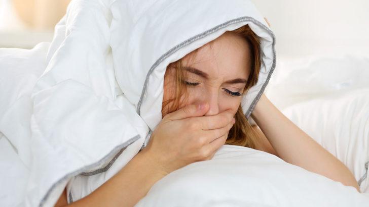 朝の咳・くしゃみはモーニングアタック!?原因と対策を紹介!