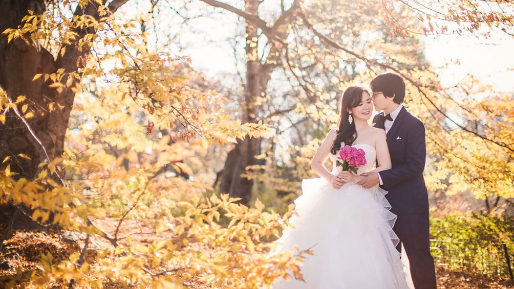 お洒落な小物やオリジナルのグッズで、結婚式の前撮りをお洒落に楽しむ!