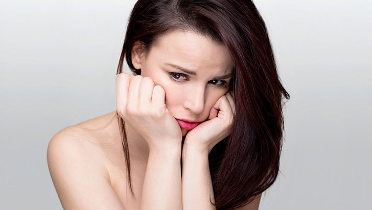 オイリー肌を徹底改善!正しい洗顔やスキンケア、ニキビ対策も紹介