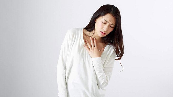 胸やけ・胸のつかえはなぜ起こる?原因から考える対処法とは?
