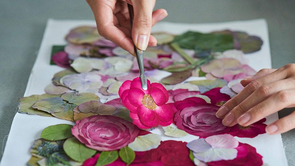 ブーケを押し花にする方法2選!