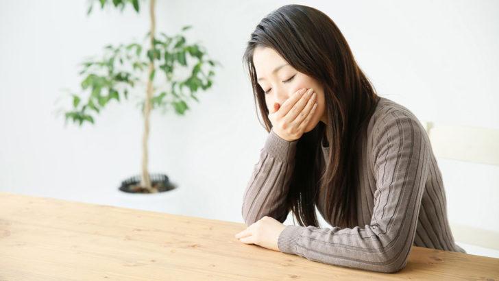 仕事中のつわりが辛い…妊娠初期に仕事をする注意点と悪阻対策