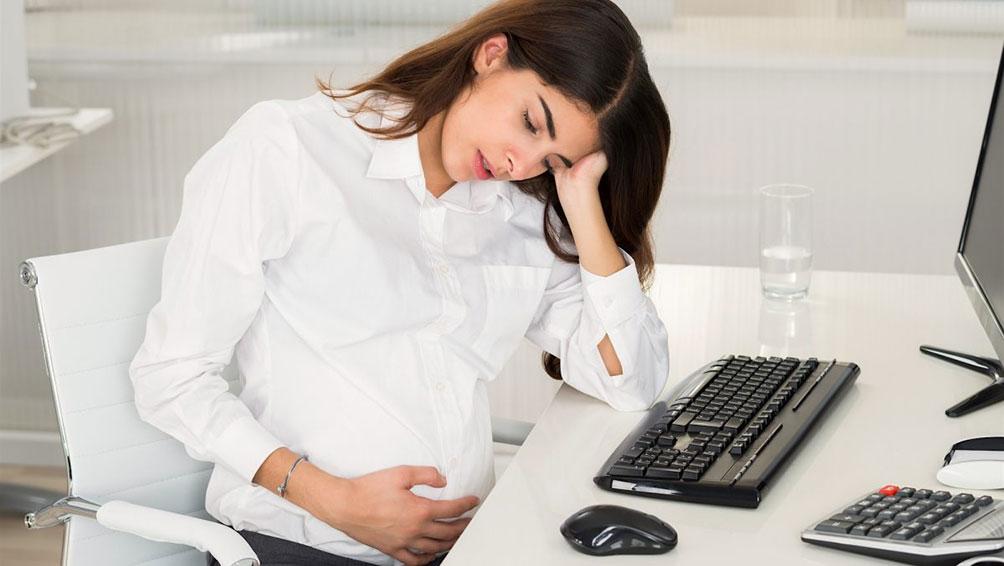 胎児にも影響を与えるマタハラとは?