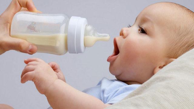 粉ミルクの水はこだわるべき?水道水とミネラルウォーターは何が違う?