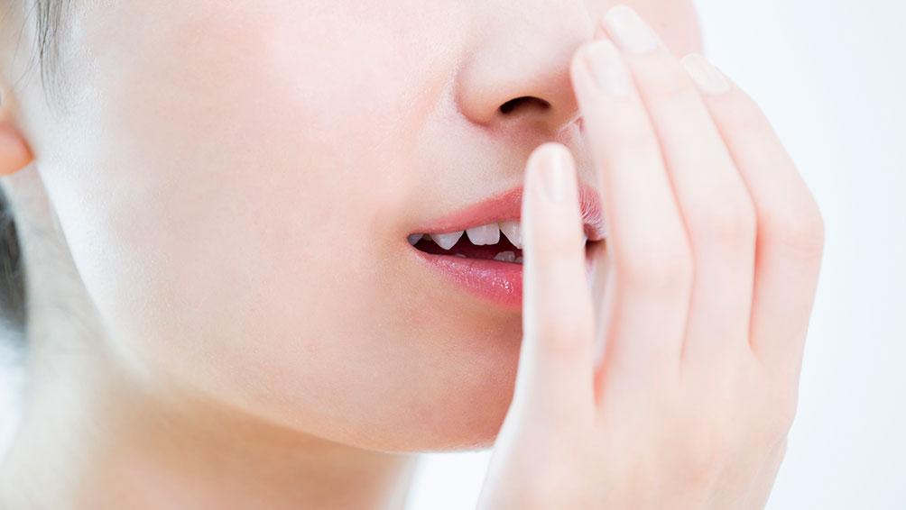 口臭が気になる…もしかして歯石が原因?