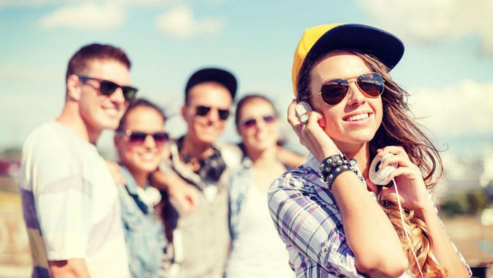 紫外線対策は肌だけでなく目も!長時間炎天下に居る時はサングラスを!