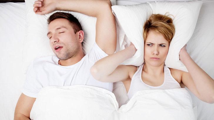 寝れないほどうるさいいびき、枕で改善できるって本当?