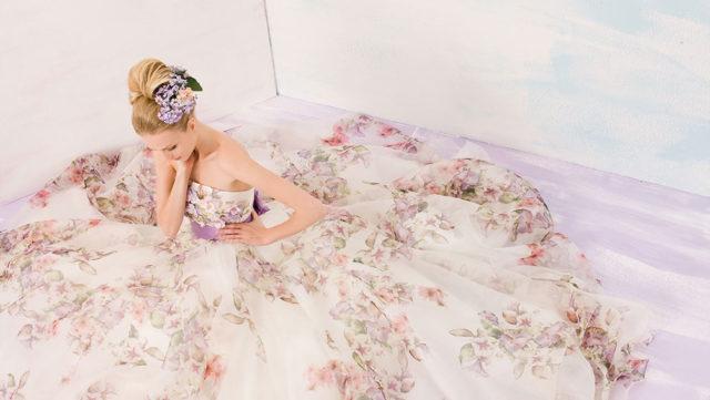 ウェディングドレスの人気カラーはコレ!自分に似合う色の選び方も紹介