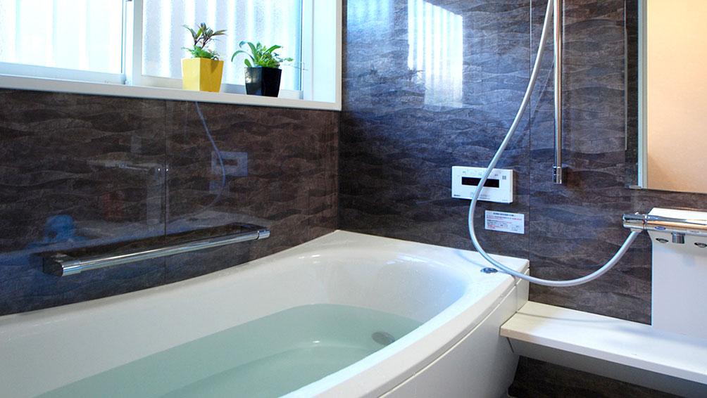 裏技その1:湯船のフタと浴室のドアを開けたままお湯をはる