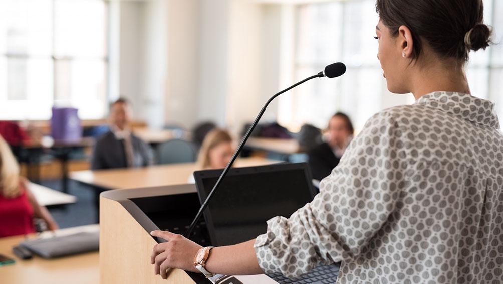 保護者説明会は、先生と保護者同士の貴重な意見交流の場