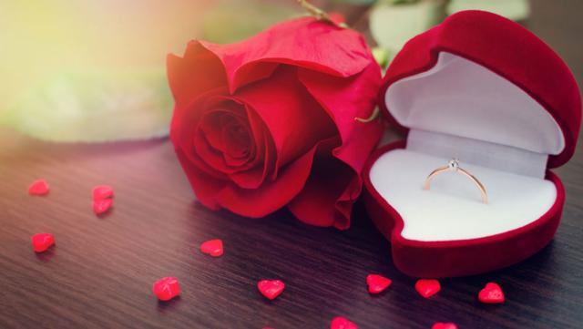 プロポーズの「バラ」には意味がある!素敵に演出できるバラギフトも紹介