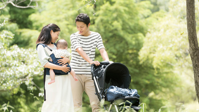 産後の外出はいつからOK?赤ちゃんの成長レベルで時間・範囲を決めよう!