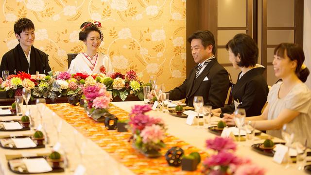 結婚式の家族・親族マナー|服装やご祝儀、当日の過ごし方など徹底ガイド